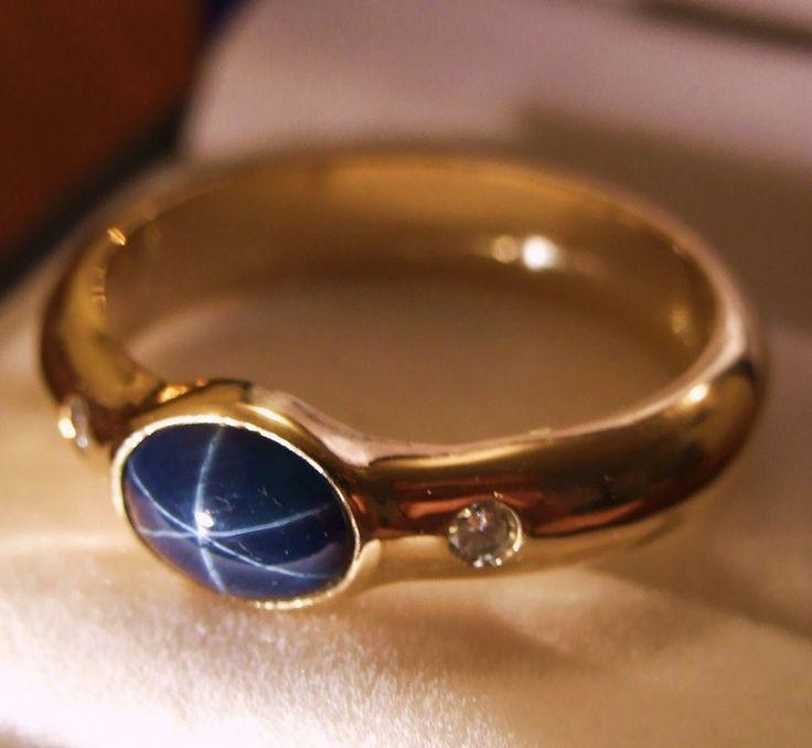 i looooooooooooove star sapphires... and this one's exceptional