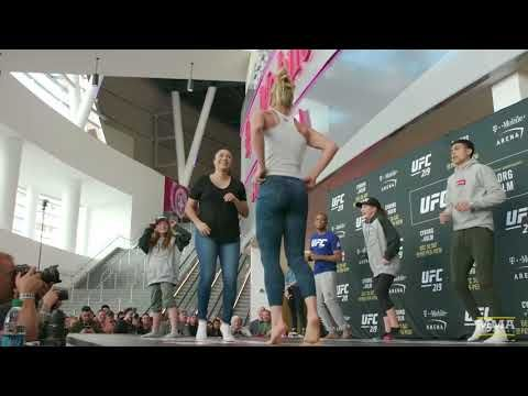 MMA Holly Holm Teaches Fans Dance Moves at UFC 219 Workouts - MMA Fighting