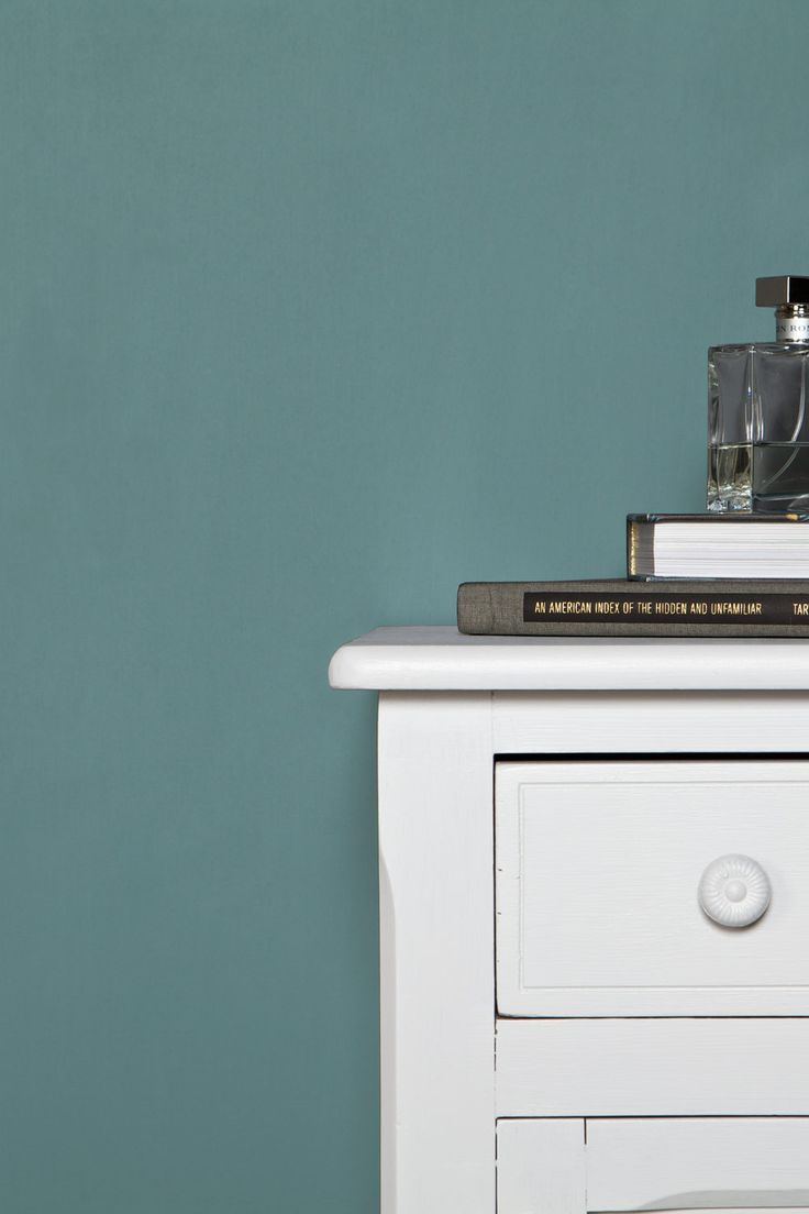 "Farrow & Ball ""Oval Room Blue, No. 85"" paint color. A typical late 18th, early 19th century colour which appears time and again in historic schemes. Dark Tones Undercoat."