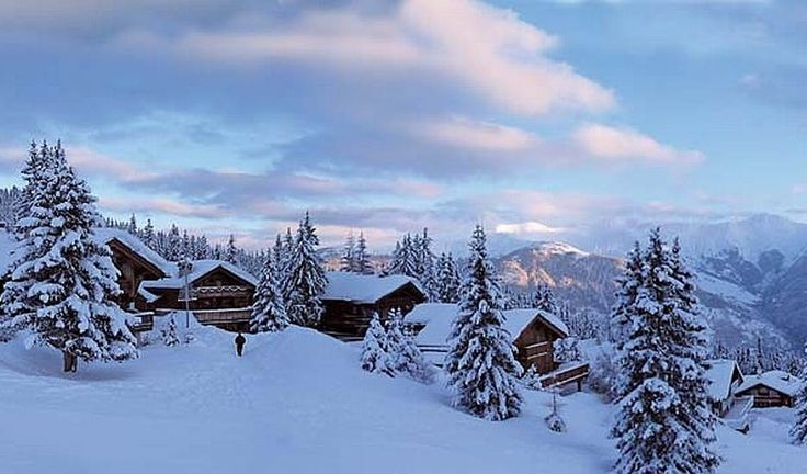 Francis Blanc Sports Ski Hire, Courchevel Moriond 1650 | http://www.lecoresorts.com/st_hotel/courchevel-eco-chalet/