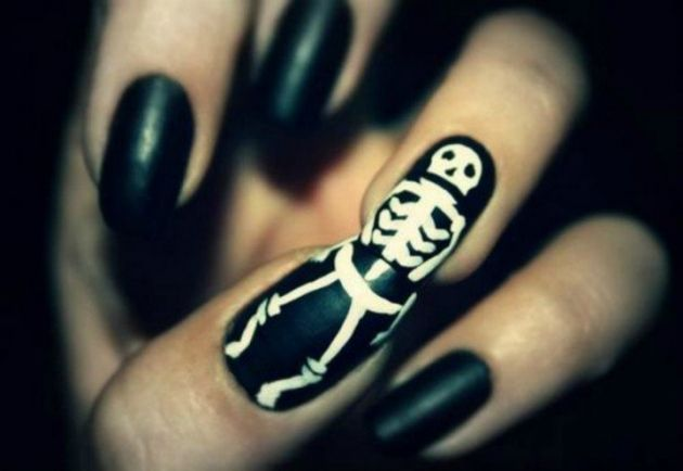 Black and white halloween nail art