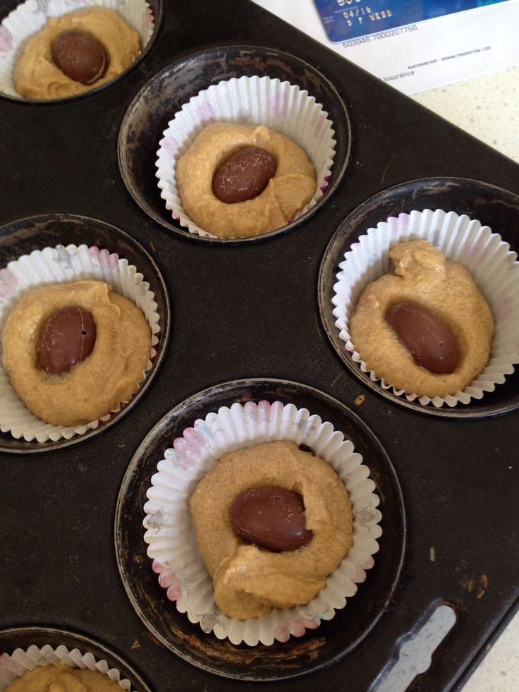 Secret caramel cupcakes! A delectable cupcake with a mini chocolate Easter surprise in the middle!!