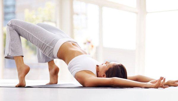 Häufig vernachlässigt, dabei so zentral: Lerne deinen Beckenboden kennen und nutze ihn für dein eigenes Wohlbefinden. Mit Übungen.