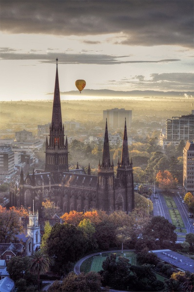 Early morning Hot Air Balloon flight over St Patrick's Cathedral
