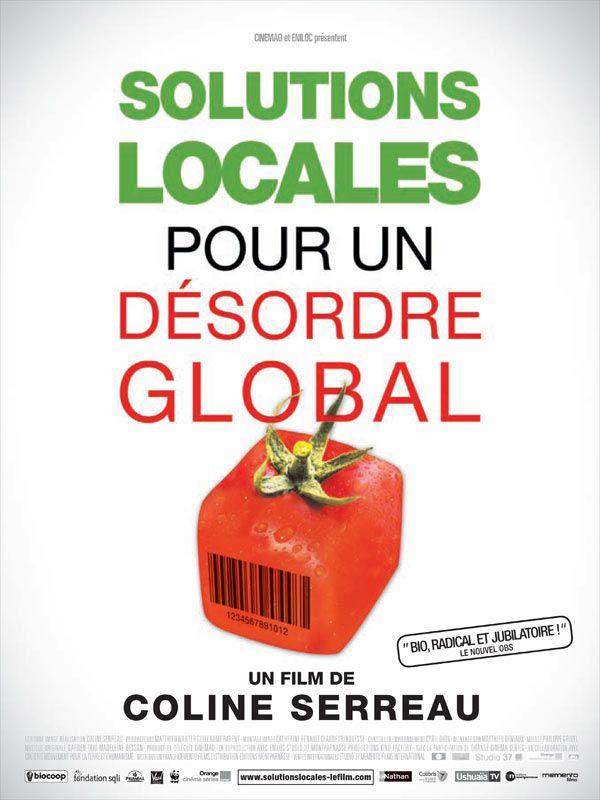 """A voir pour savoir: Solutions locales pour un désordre global est un film de Coline Serreau avec Dominique Guillet, Vandana Shiva. Synopsis : """"Les films d'alertes et catastrophistes ont été tournés, ils ont eu leur utilité, mais maintenant il faut montrer qu'il existe des solutions, faire en"""