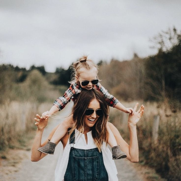 Best 25 mother daughter poses ideas on pinterest mommy for Mother daughter house for rent