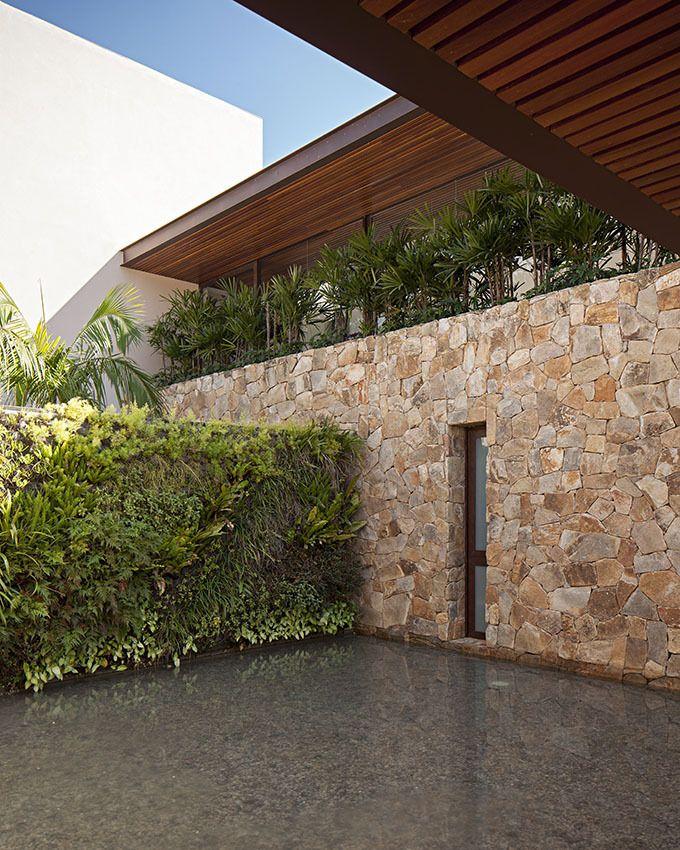 Gallery of EZ Residence / Reinach Mendonça Arquitetos Associados - 10