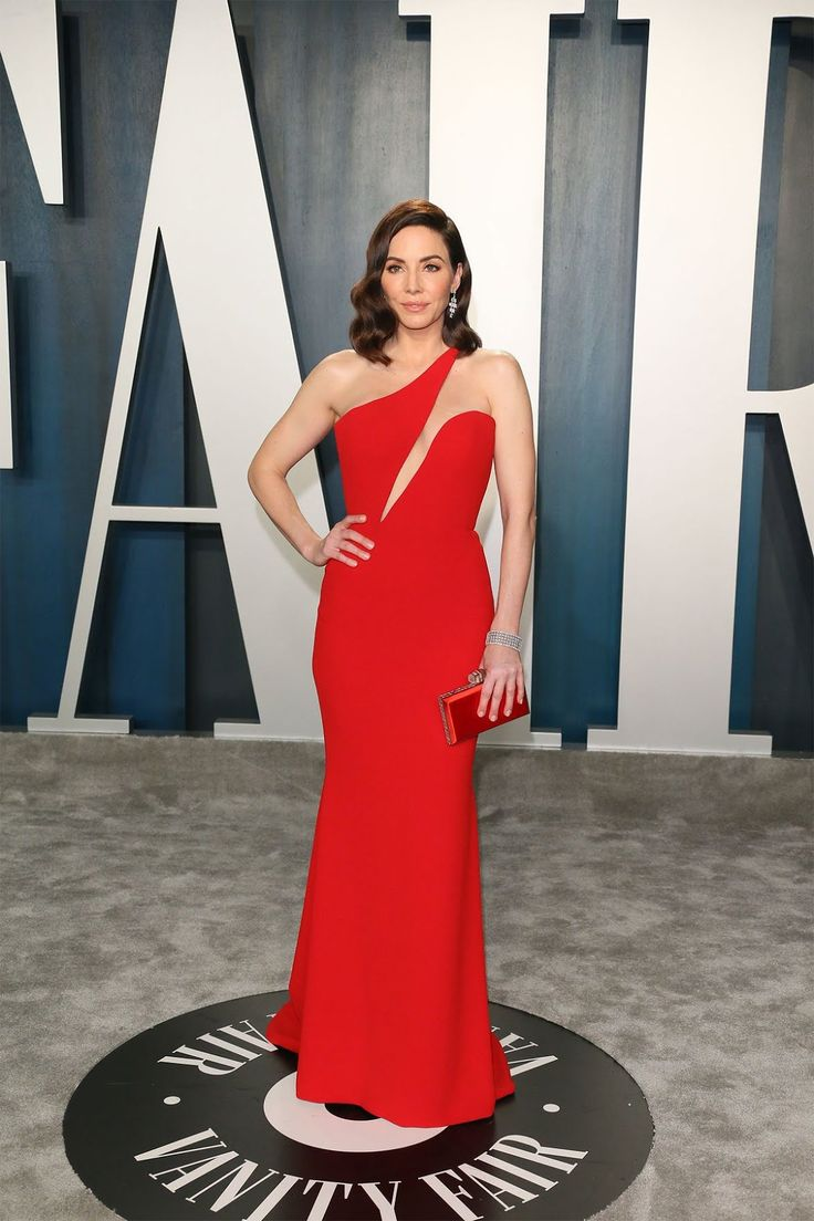 Pin by maw maw on Evening Gowns in 2020 Red dress