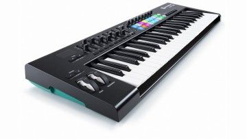Musikmesse 2015: Novation Launchkey 49 MK2 - MIDI Keyboard Controller - http://www.delamar.de/musik-equipment/novation-launchkey-49-mk2-27677/?utm_source=Pinterest&utm_medium=post-id%2B27677&utm_campaign=autopost