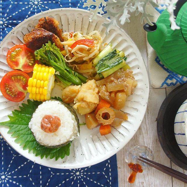 🍙 ‥ ‥ #breakfast ‥ つくりおきのせのせ朝ごはん ‥ ‥ #ワンプレートごはん #和んプレート #和食#つくりおき #常備菜#朝ごはんプレート #南部鉄器#刺し子#刺し子ふきん #クッキングラム#デリスタグラマー#foods#foodstagram #foodpic #foodphotography #Japanesefood #washoku #homemadefood#kaumo #mealprep #meal #morning