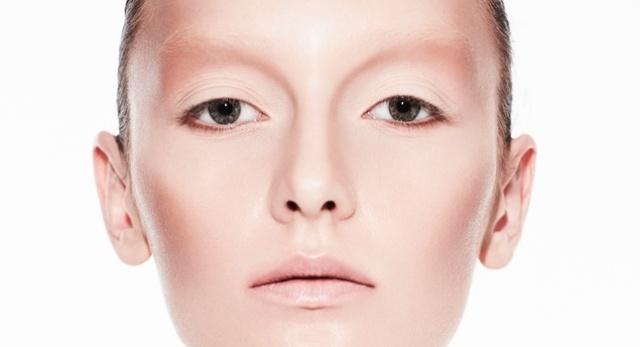 Beauty Junkie: Model Alexa Yudina Shows Us Her Colorful Pout
