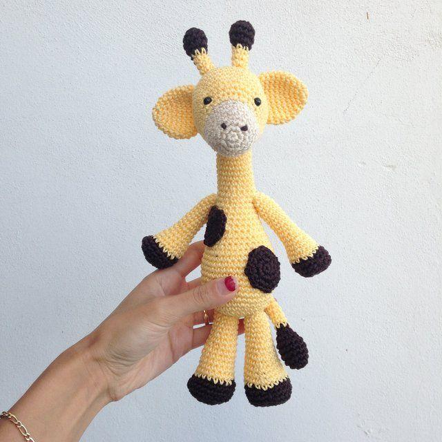 Giraffa realizzata ad uncinetto con tecnica amigurumi ! Altezza 28 cm !!! Perfetta anche come idea regalo nascita !! PAGAMENTO SOLO TRAMITE APP ! Ss escluse (2,80€ posta 1 ; 5€ raccomandata ) #giraffa #amigurumi #uncinetto #crochet #handmade #paypal