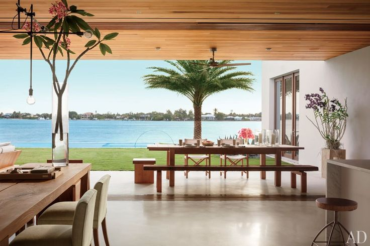 It would be pretty fun to have breakfast here every morning!! :) Kelly Klein's Palm Beach Home : Celebrity Style : Architectural Digest