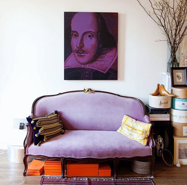 purple + orange. LOVE the hermes and vintage hat boxes. love the art as well! #interiordesign #hermes