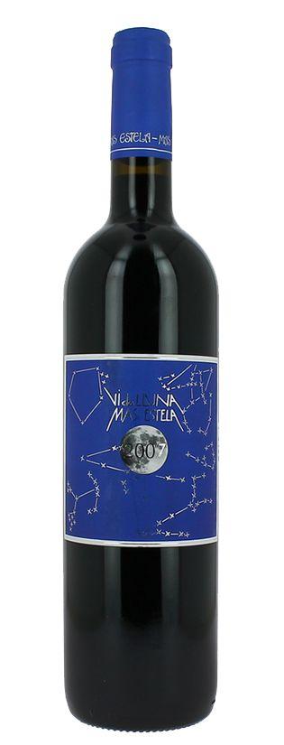 """2007 Mas Estela Vi de lluna  Description: Zeer schaarse zeldzame organische wijn Worden slechts 2500 flessen van gemaakt. Een gedurfde rijk """"Tinto"""" - zeer uitbundig en expressief van rijp fruit en mineralen.  Price: 37.95  Meer informatie  #wijn #wine #grandcru #wit #rood #rode #witte #genieten"""