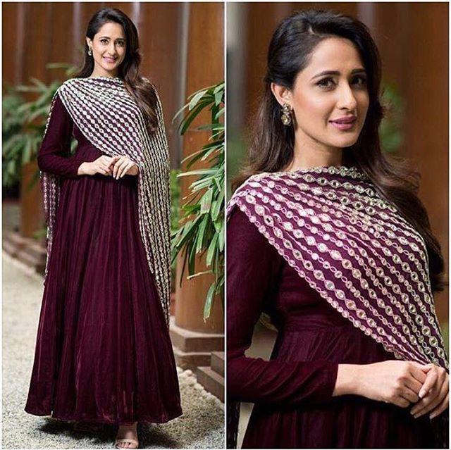 WEBSTA @ ridhima.bhasin - Pragya Jaiswal taking over our classic mirror dupatta! To shop this look log on to www. ridhimabhasin.com#ridhimabhasin #Elucidate  #jaiswalpragya #afashionistasdiary #celebritystyle #classic #designeronline #fashnista #newaddions #weardesigner #designerlife #worklife #designer #workaholic  #floral #indowestern #weddinglook #designerdrapes  #rbdetails #rb #flow  #weddinglook #uae #dubai #delhi #mumbai #jakarta #londonè