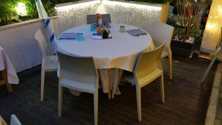 Hoth in the restaurant Azzurra in  Caorle  #hothchair #ibebi #design #projects