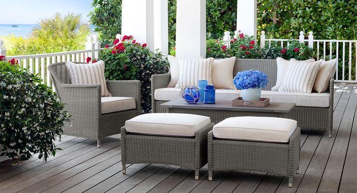 Arredo balcone tante idee utilizzando piante, cuscini e
