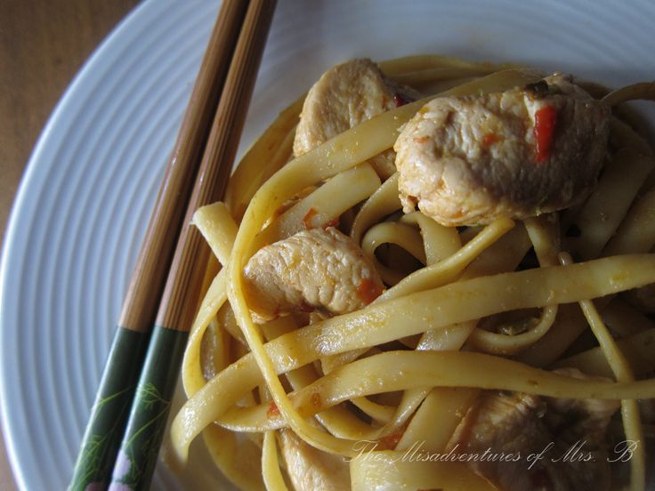 Spicy 'Drunken' Noodles by themisadventuresofmrsb as adapted from grouprecipes.com: Pure deliciousness! Made with not a drop of alcohol, 'drunken' refers to the amount you have to drink in order to cool your mouth! #Noodles #Thai #Drunken_Noodles #themisadventuresofmrsb