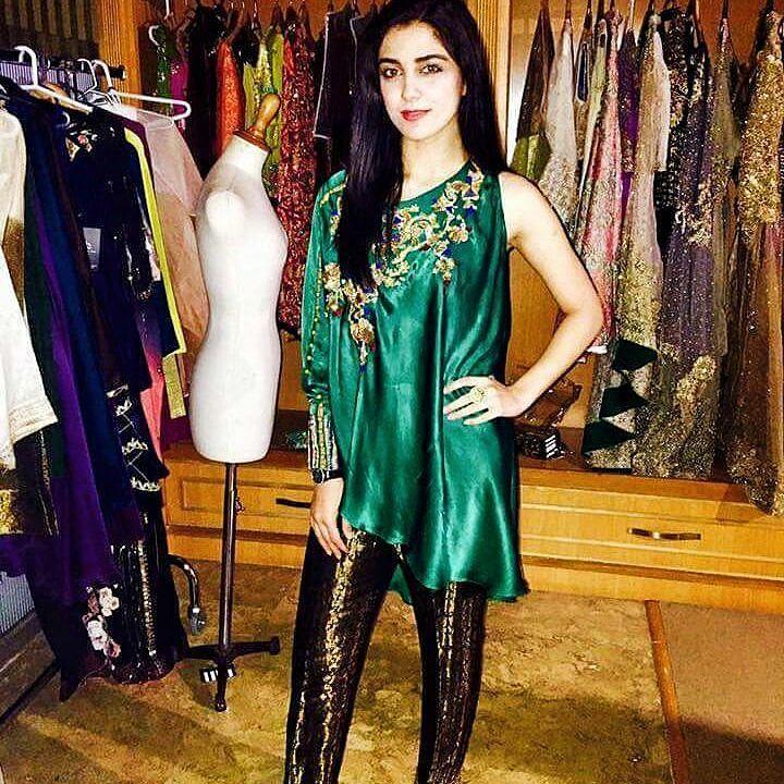 Samy Says: #mayaali looks fabulous wearing #hinabutt's #thelastconfession  #samysays #followme #instamood #instagood #instafollow #instaeffects #instalike #instafashion #instafamous #glamour #style #fashionblogger #media #pakimodel #brands #designers #models #actors #artists #fashionista #fashion #teenabyhinabutt