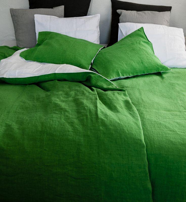 LANGØ green-white 100% linen bedlinen.