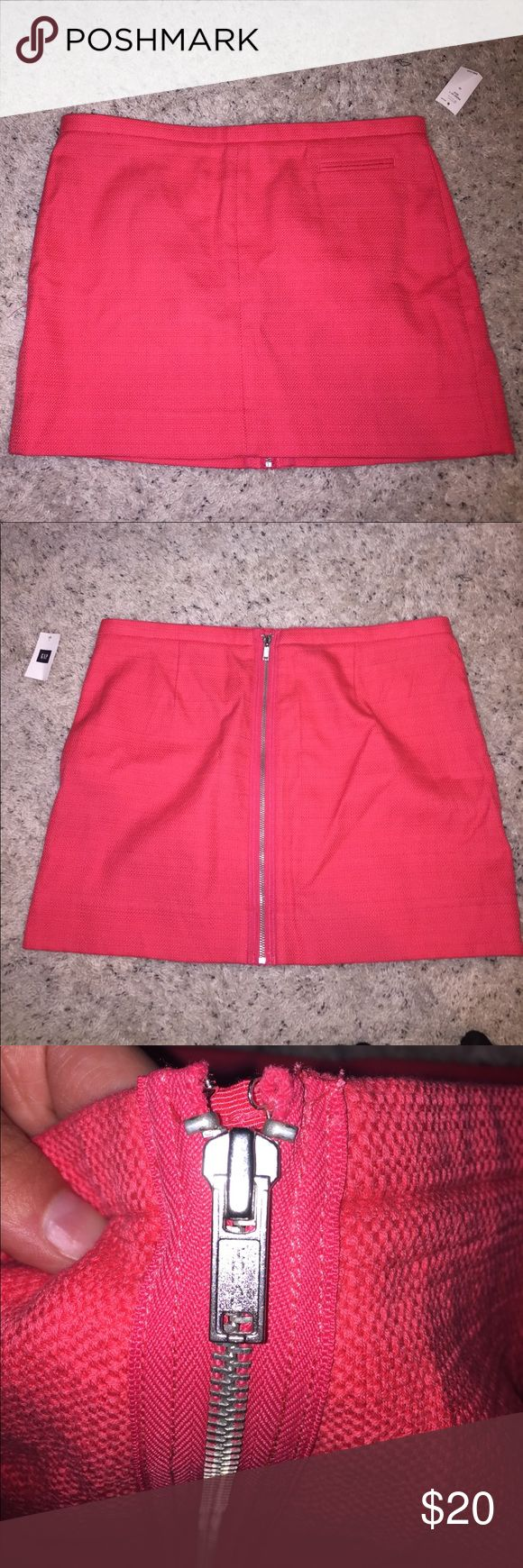 Gap skirt NWT pink zipper embellished gap skirt. Size 10. Perfect for summer. GAP Skirts