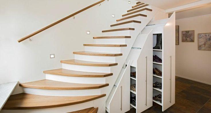 Holztreppe Schuhschrank weiss