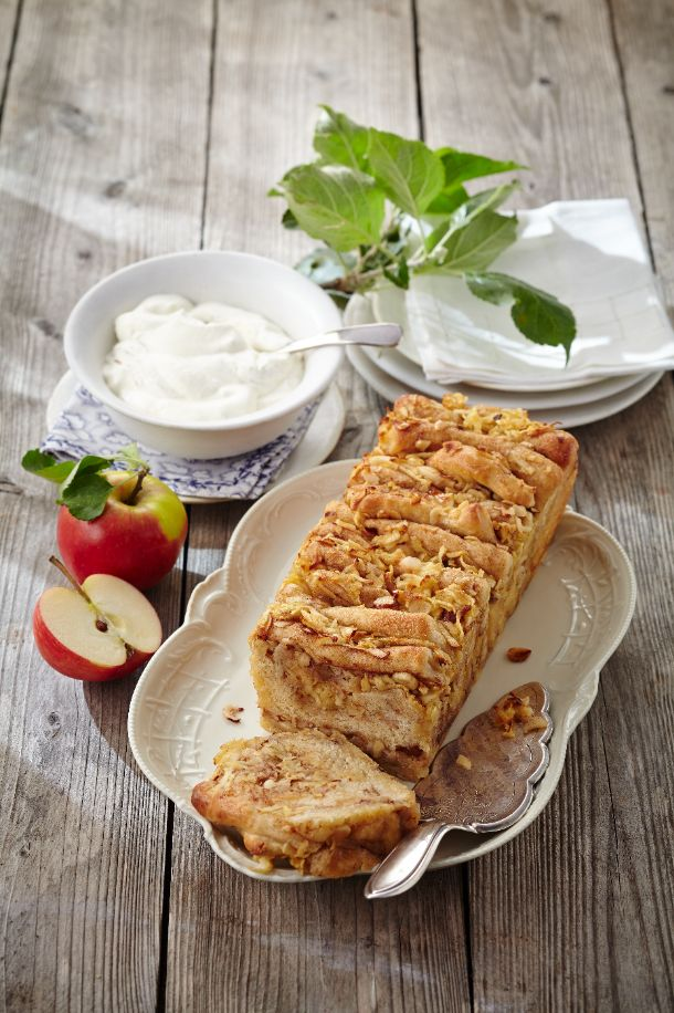Apple-Pull-Apart-Cake (Heft: September 2014) Foto © Ulrike Holsten für ARD Buffet Magazin