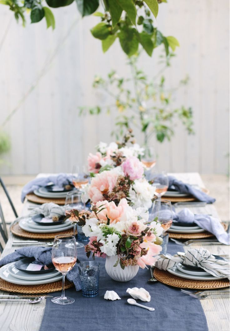 Spring Tablescape Inspiration & Styling Ideas