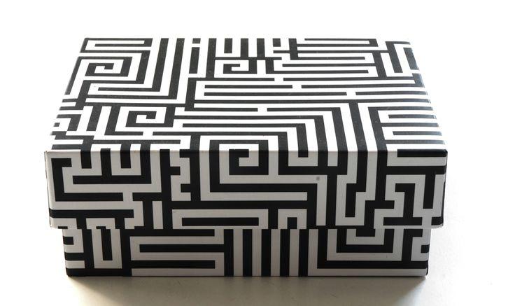scatola in cartone optical. h.cm.6,5x16x12.