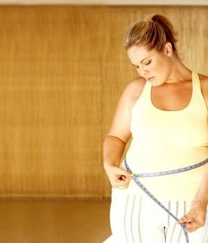 ¿Cuál es el peso ideal que debería tener si estoy embarazada? ¿Cuántos kilos es normal engordar durante el embarazo? Con la calculadora de aumento de peso sabrás de forma sencilla cuánto has engordado y si tu peso está en la media habitual de las embarazadas de tu misma semana. ¿Cómo funciona la calculadora de aumento …