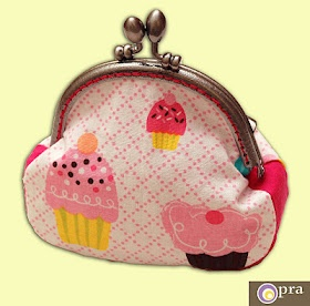 coin purse with muffins