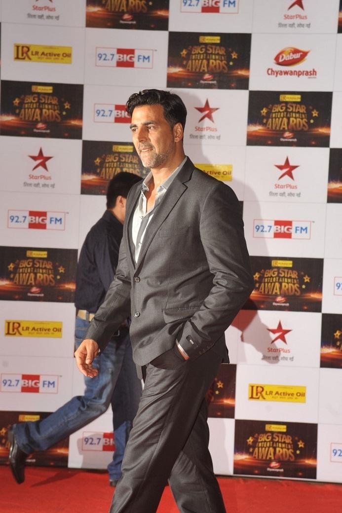 Akshay Kumar at Big Star Entertainment Awards 2012.