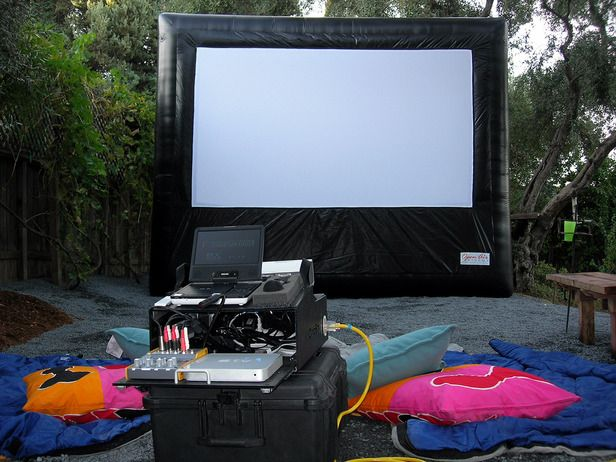 Throw an Outdoor Movie Night (http://blog.hgtv.com/design/2014/06/18/throw-an-outdoor-movie-night-party/?soc=pinterest)Families Movie, Outdoor Theater, Yards Crashers, Backyards Movie, Outdoor Entertainment, Movie Nights, Outdoor Movie, Diy Network, Entertainment Center