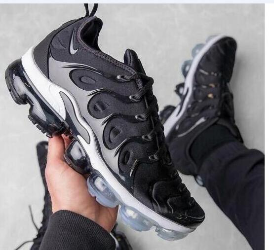 san francisco 312fc fc61a Nike Air VaporMax Plus Black/White - 924453 011 Males ...