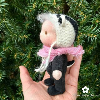 Pflanzenfaerberin * Isle of Fae * Mini Dachs Puppe (12 cm) * Mini Badger Doll (5 in.)