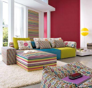 Sofá colorido, minha mais nova paixão.