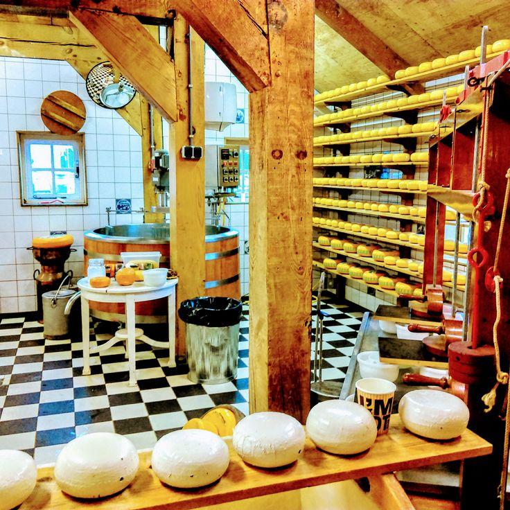 #Amsterdam #Holland #Netherlands #Amsterdamsuburbs  #zaanseschans #dutch #dutchvillage #dutchcheese #cheese #cheesefactory #sightseeing #colours #colourful #colors #амстердам #голландия #нидерланды #заансесканс #зансесканс #голландскаядеревня #голландскийсыр #сыр #сырнаяфабрика #загородом