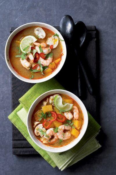 Tom-ya,soep met garnalen en zoete aardappel. Recept op elleeten.nl | ELLE Eten