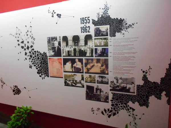 exhibit design imsc wall timeline on behance - Wall Graphic Designs