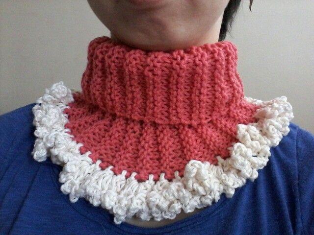 collar scarf pink & white