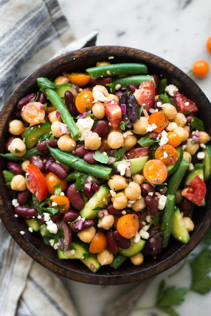 Mediterranean Three Bean Salad by @Lisa // Healthy Nibbles & Bits