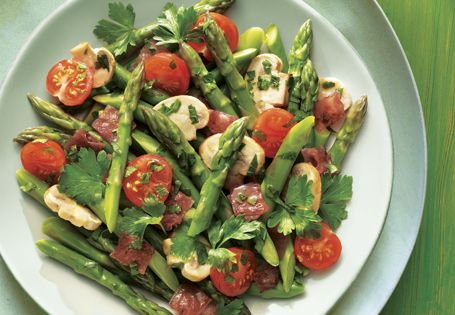 This combo is SO delicious and fresh: Asparagus with Mushrooms & Ham (sub diced chicken or tofu) #AldiFresh