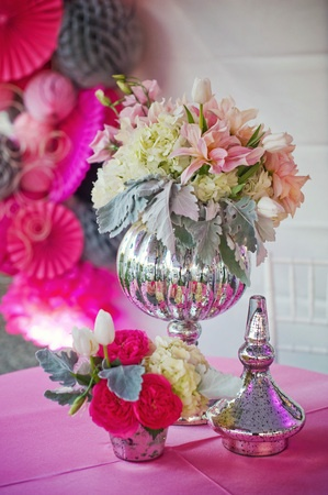 Pretty in pink decor & centerpieces for a modern 30th birthday party {Photo by Luminaire Images and Kenny Grill Photography}