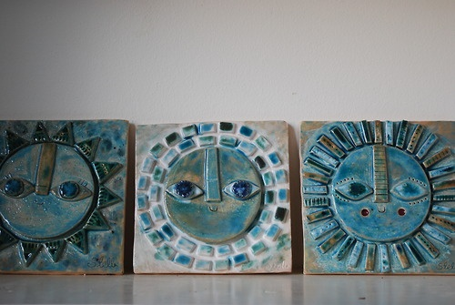 Love these clay sun faces do with paper plates and paint swatches