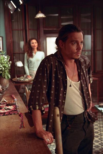 "Chocolat Johnny Depp Born: June 9, 1963 (age 51), Owensboro, KY Height: 5' 10"" (1.78 m) Spouse: Amber Heard (m. 2015), Lori Anne Allison (m. 1983–1985) Children: Lily-Rose Melody Depp, Jack John Christopher Depp Upcoming movies: Yoga Hosers, More"