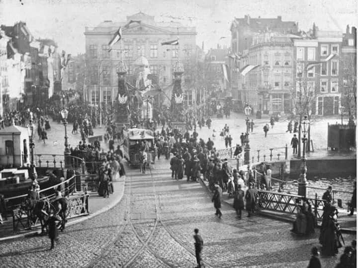 Van hogendorpsplein bij de binnenwegsche brug 1890