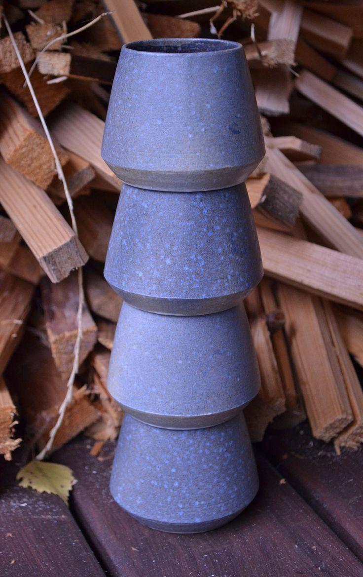 Stackable ceramic cups (2/2), Jalte Windum (www.jaltewindum.com).