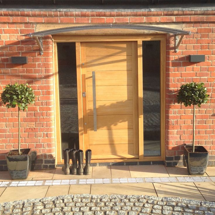 Bespoke Contemporary Door Canopy TYPE D                                                                                                                                                                                 Mais