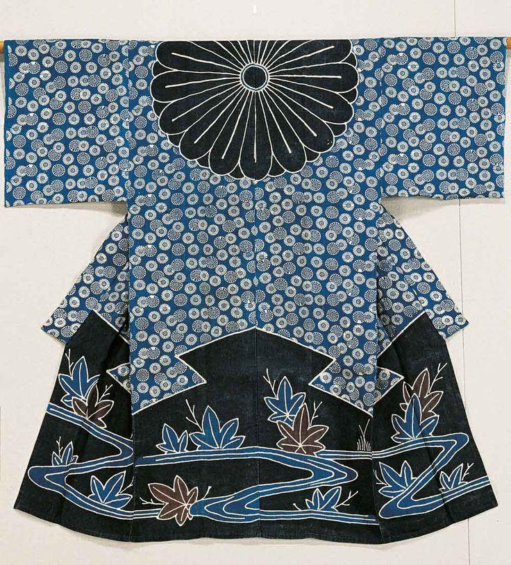 Woman's kimono worn as a veil (kazuki), River and Japanese maple leaves motif, Japan, linen fabric, partially stencil-dyed tsutsugaki, 134.6 x 134.1 cm, Private Collection